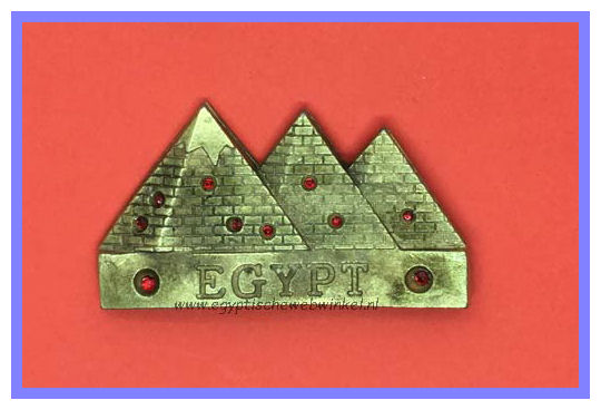Decorative magnet pyramids