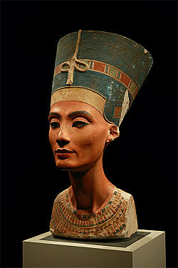 Shemale nefertiti wirh man and women